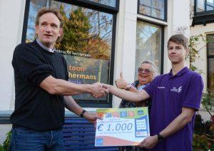 Kringloopcentrum Amersfoort  doneert  € 1000,- aan  Toon Hermans Huis Amersfoort