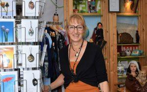 Artikel indebuurt over Oud Nieuws met interview vrijwilliger Marga